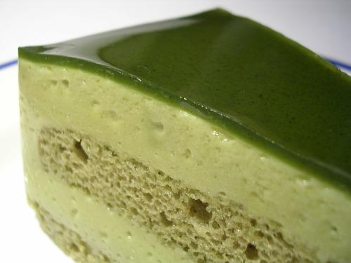Green tea macha cake