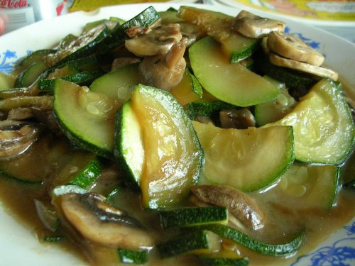 Zucchini with mushrooms