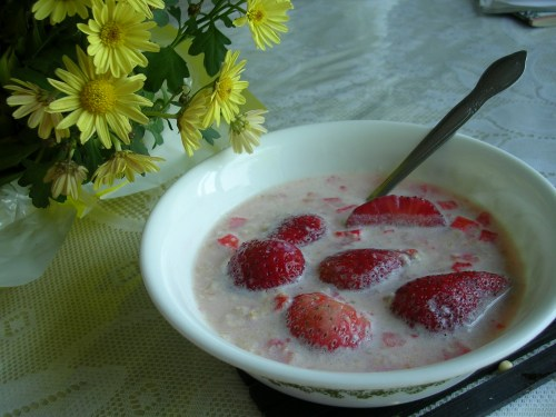 Strawberries and oatmeal