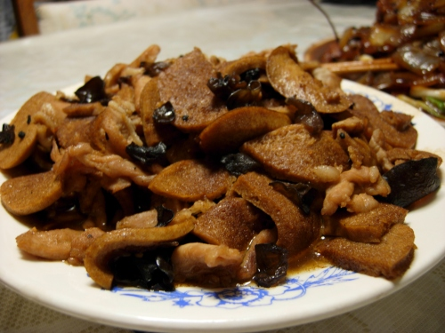 Sliced pork with mock chicken and woodear fungus