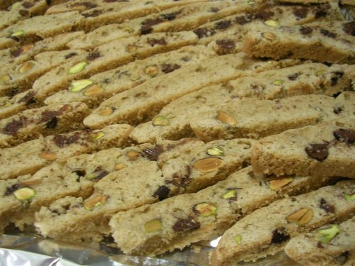 biscotti slices laying on their side