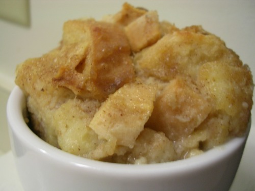 Bread pudding with apples and Bailey's